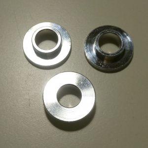 Casquillo aluminio para guardabarros y tapas laterales de plástico (1 Unidad)